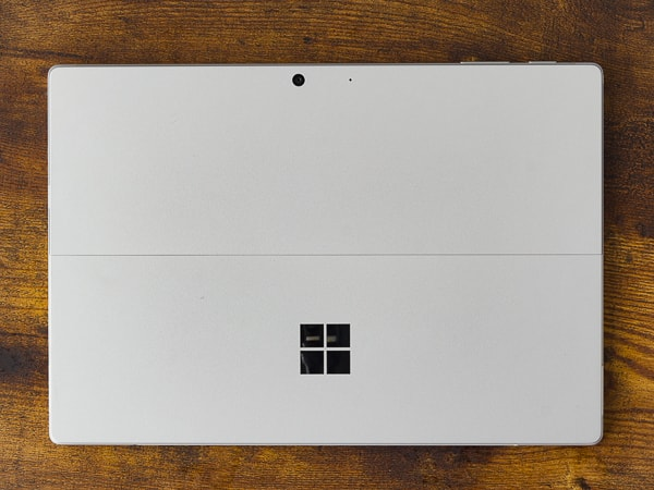 Surface Pro 7 背面