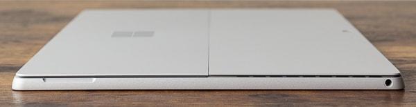 Surface Pro 7 左側面