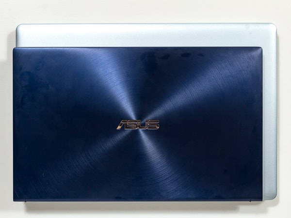 ASUS ZenBook 15 UX534FT 大きさ