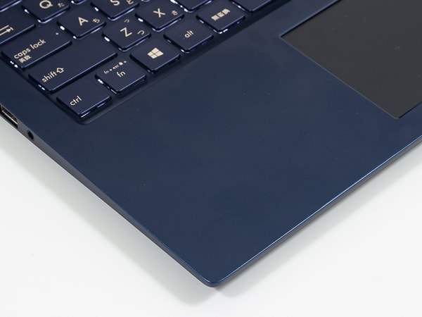 ASUS ZenBook 15 UX534FT パームレスト