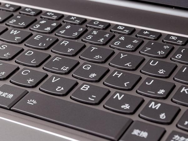 ThinkBook 13s タイプ感