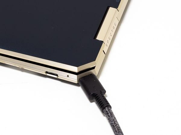 HP Spectre x360 13 2019年モデル USB Type-C