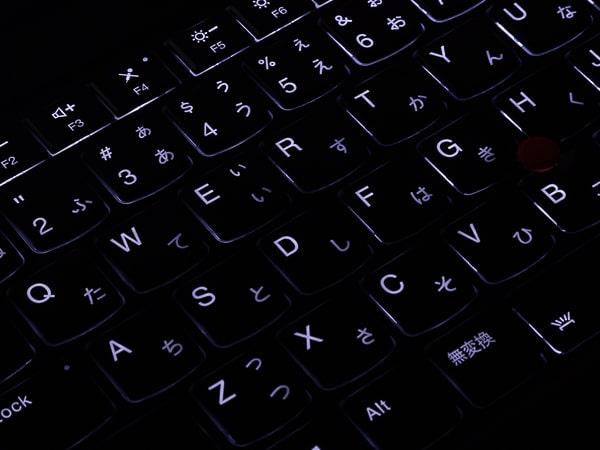 ThinkPad X1 Carbon 2019年モデル バックライト