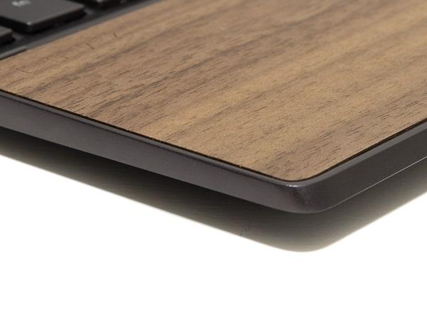 HP ENVY x360 13 Wood Edition くるみの木