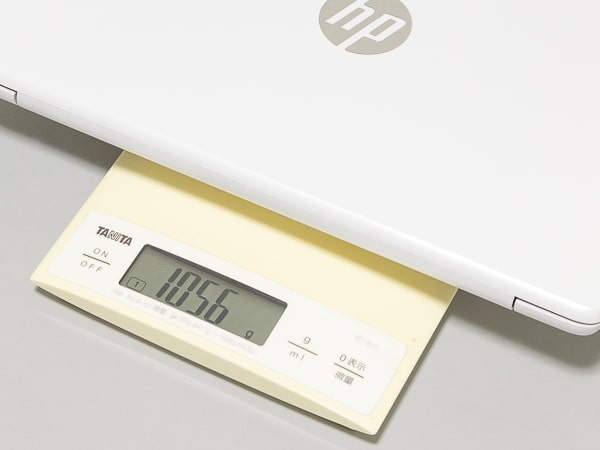 HP Stream 11-ak0000 重さ