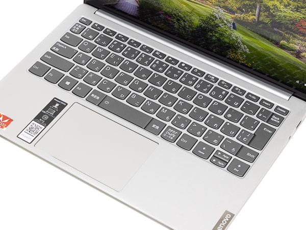 IdeaPad S540 (13, AMD) パームレスト