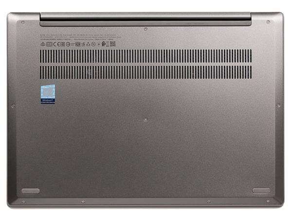 IdeaPad S540 (14) 底面部