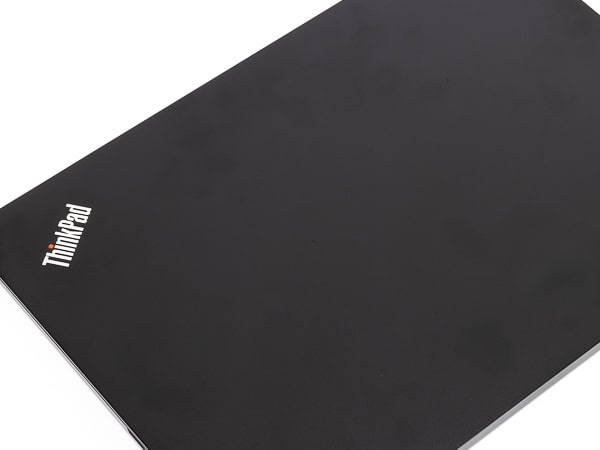 ThinkPad E14 天板
