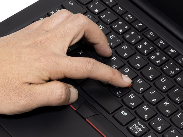 ThinkPad E14 トラックポイント