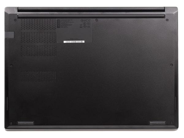 ThinkPad E14 底面