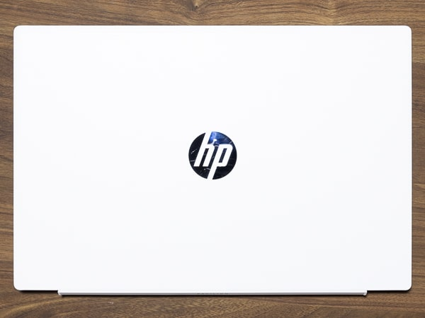 HP Pavilion 15-cs3000 サイズ