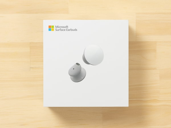 Surface Earbuds 箱