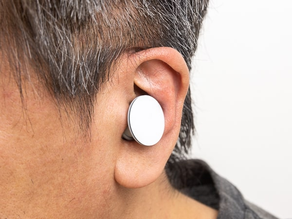 Surface Earbuds 装着