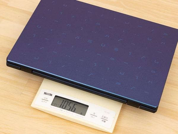 ASUS E210MA 重さ