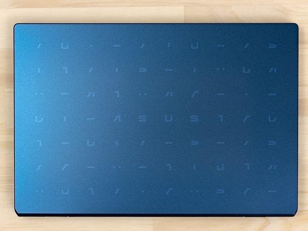 ASUS E210MA サイズ
