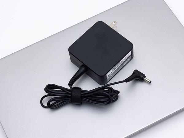 IdeaPad Slim 550 (14) 電源アダプター
