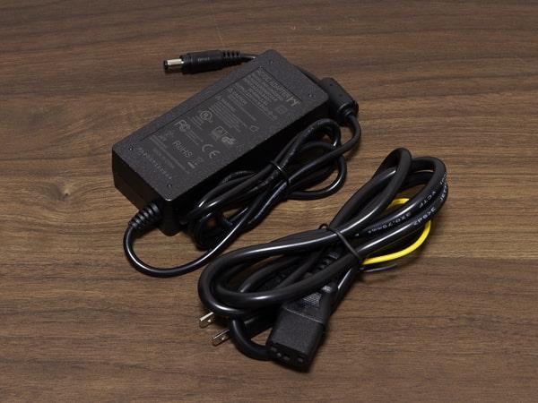 MINISFORUM DeskMini UM300 電源アダプター