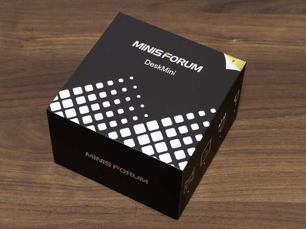 MINISFORUM DeskMini UM300 コンパクトなパッケージ