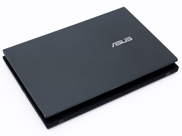 ASUS ZenBook 14 UM425IA 大きさ