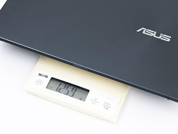 ASUS ZenBook 14 UM425IA 重さ