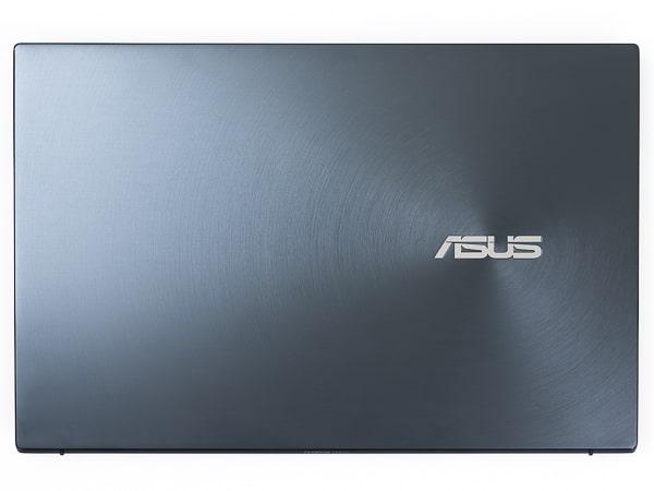 ASUS ZenBook 14 UM425IA サイズ