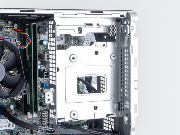 HP Pavilion Gaming Desktop TG01(AMD)ドライブベイ