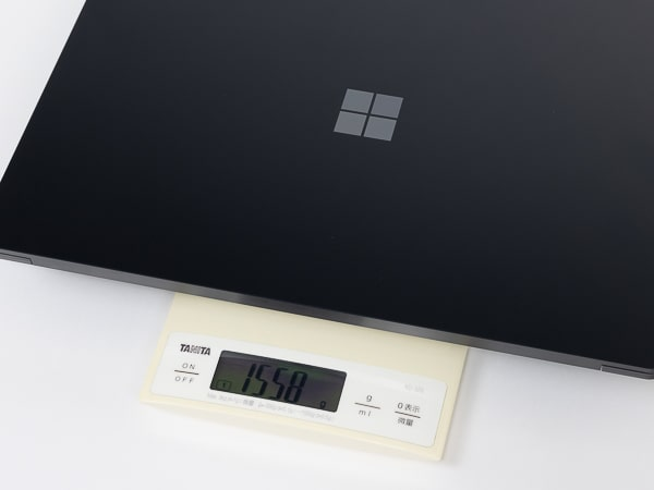 Surface Laotop 4 15インチ 重さ