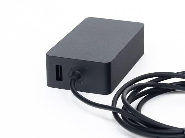 Surface Laotop 4 15インチ 電源アダプター