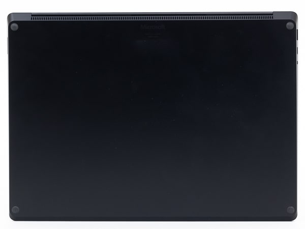 Surface Laotop 4 15インチ 底面