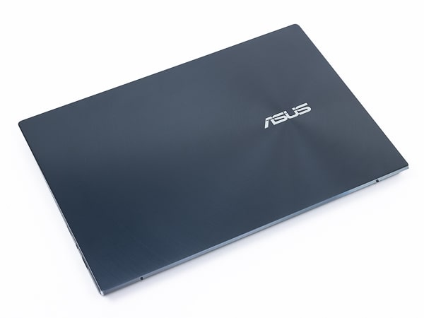 ZenBook Duo 14 UX482EG 見た目