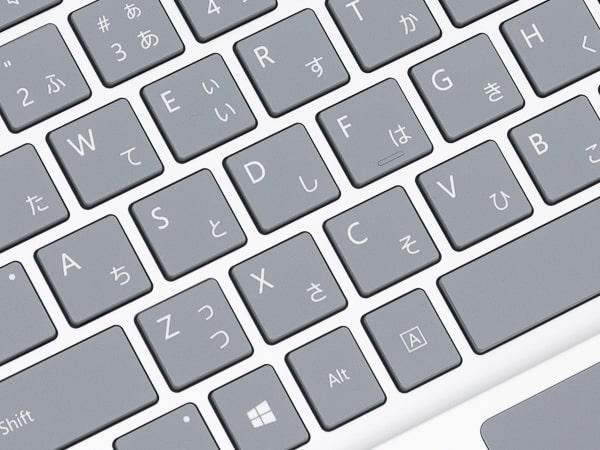 Surface Laptop Go タイプ感