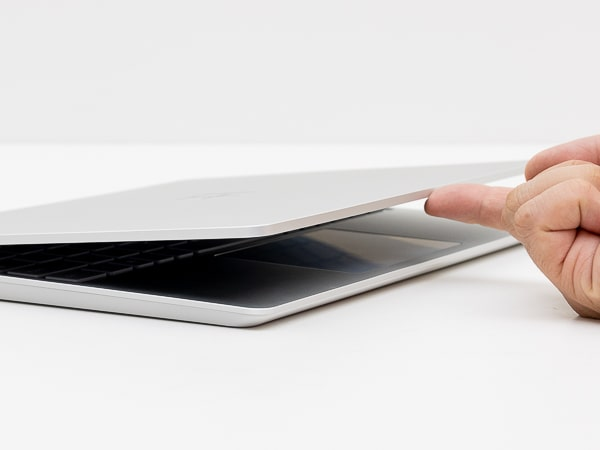Surface Laptop Go ディスプレイ