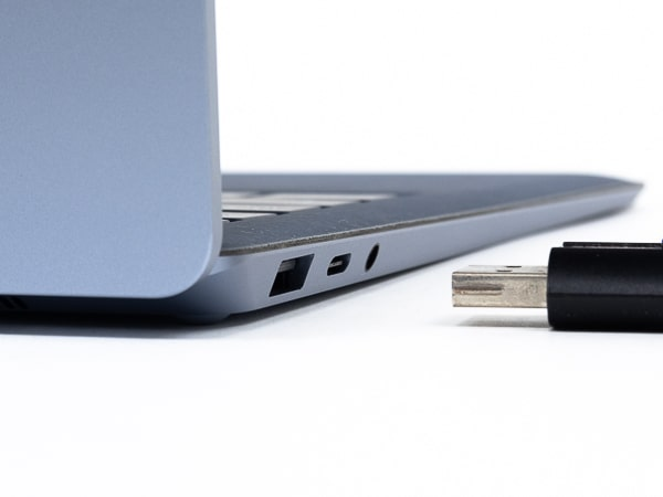 Surface Laptop 4 13.5インチ USB端子