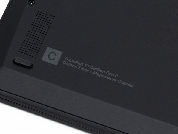 ThinkPad X1 Carbon Gen 9 底面